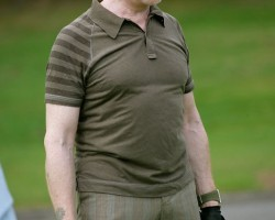 Mick Hucknall Needs Compression Shirt to Hide Man Boobs